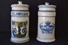 Pair of pharmacy pots - Santa Ana factory