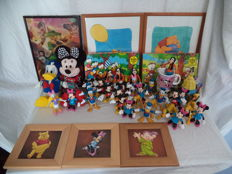 Collectie van 42 disney items,