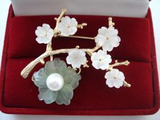 18K Gold plated Filigree crafted Brooch with Pearl, carved natural Jadeite & sea shell Sakura flowers