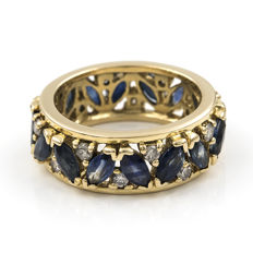 .750 (18 kt) yellow gold – Cocktail ring – Marquise cut sapphires – Brilliant cut diamonds – Inner ring diameter: 16.45 mm (approx.). Size: 11 (Spain)