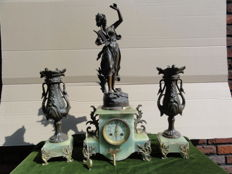 French Clock set with onyx marble - period 1880