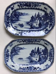 Pair of Blue and White Export Dishesl - China - 18th Century