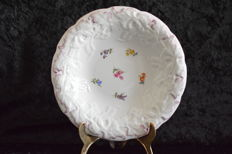 Meissen decorative plate - with relief leaves - 1st quality