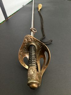 Light Cavalry sword, mount in bronze France end of the 19th century