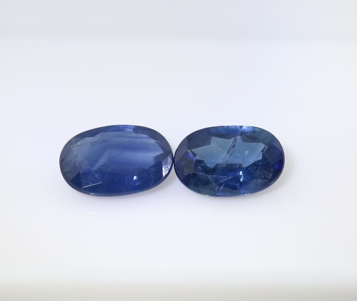 Set of 2 Sapphires -  0.55 + 0.53 = 1.08 ct total - no reserve price