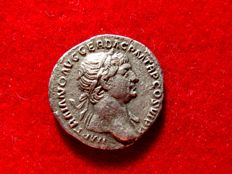 Roman Empire - Trajan (98-117 A.d.) silver denarius (2,81 g. 18 mm.). Rome mint. 113 A.D. SPQR OPTIMO PRINCIPI. AET/AVG. Aeternitas holding head of Sun and Moon.