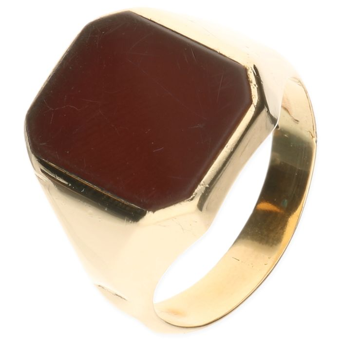 14 kt yellow gold ring set with carnelian - inner size 19.25 mm