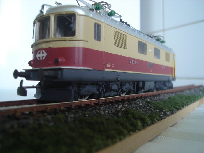 HAG H0 - 231 - Electric locomotive type Re 4/4 I TEE of the SBB