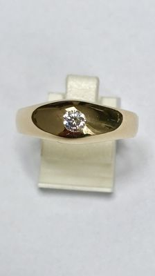 Solid 14 kt gold men's ring with diamond, 0.15 ct – Ring size 21 (66)