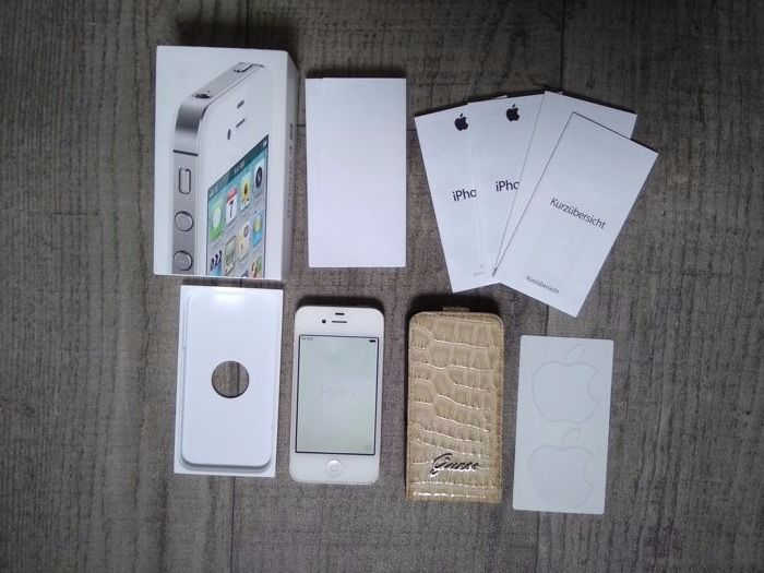 Apple iPhone 4S 16GB - White - in original box - simlock free - Model A1387 - with sturdy cover