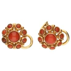 14 kt yellow gold rosette clip-on earrings, each set with precious coral - button diameter 10.20 mm