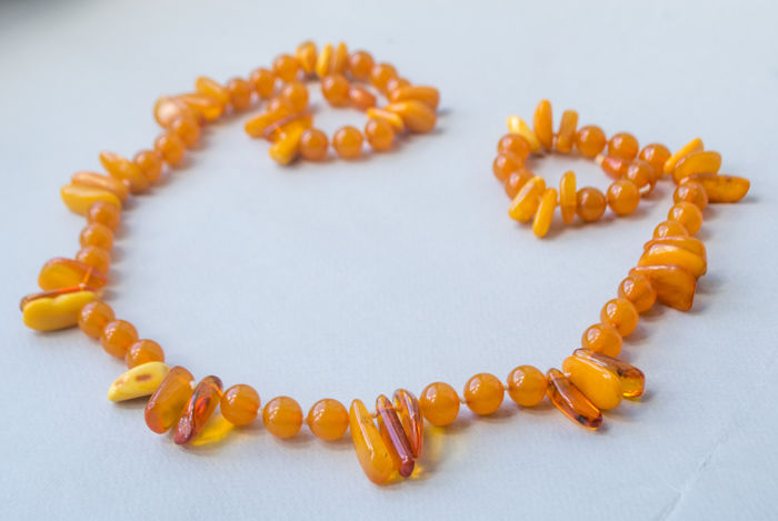 Art Deco, Baltic Amber necklace, in lemon, honey colour, 74 gram