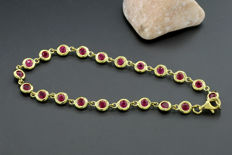 Luminous ruby tennis bracelet with 3.45 ct, 750 yellow gold --- No reserve price! ---