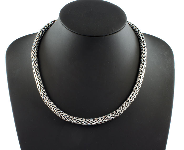 Necklace with serpent-like links, made in 925/1000 sterling silver