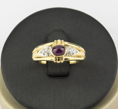 750/18 kt yellow gold – 10 brilliant cut diamonds of 0.10 ct in total – Oval cut ruby of 0.30 ct in total – Ring size: 13.5 (Spain)