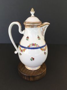 Royal Vienna - porcelain coffee pot decorated in polychromy with floral decoration, 18th century.