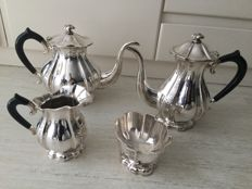 Four piece silver coffee- and tea set, D.J. Aubert and Sons, The Hague/Voorburg, 2nd half 20th century