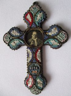Antique papal micro mosaic cross/crucifix with an image of the Italian Pope Pius XII.