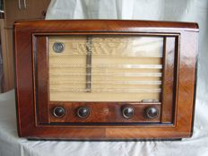 Beautiful tube radio  PHILIPS BX594A from 1949 in good condition - playing