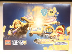 Lego 70372 Display - Nexo Knights Display with 45 bags.