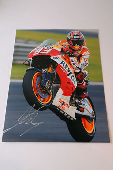 Nice  image, personally signed by Marc Marquez