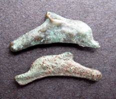 Ancient Greece – Olbia 2 pieces of AE dolphin money, cast in the 5th/4th century B.C.
