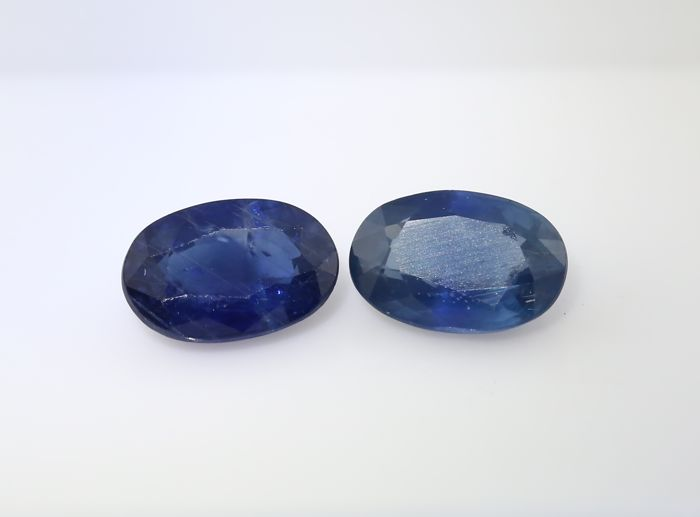 Set of 2 Sapphires -  0.57 + 0.55 = 1.12 ct total - no reserve price