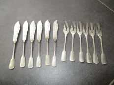 12 piece engraved silver fish place settings by A.Künne Altena, + 1 separate silver fork, Germany