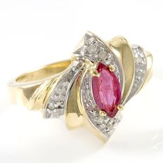 14kt Yellow Gold Ring 0.11 ct Diamond,  1.00 ct Ruby - size 7,5  ***No reserve***