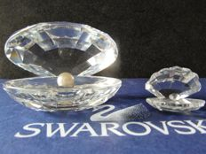 Swarovski - Pearl Oyster small - Pearl Oyster large.