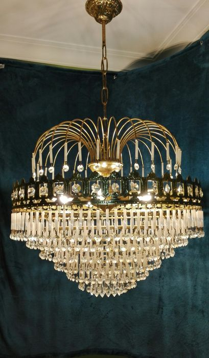 Large crystal chandelier rhinestone and brass .siglo XX 20th century.