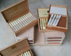 Lot of different sealed boxes Corps Diplomatique cigars. Sigaren