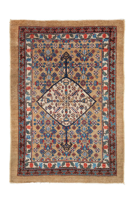 Hand-knotted rug from Sarab, North West Iran, Around 1900, 123 x 88 cm. ( 48.2 x 34.6 inches )
