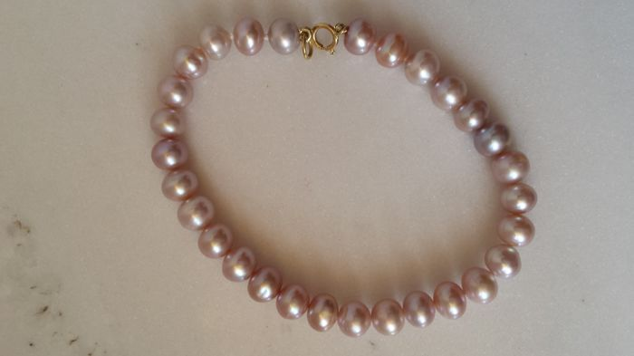 Women's bracelet made of coloured freshwater pearls with 18 kt gold clasp, total length: 18 cm