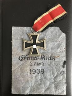 Iron Cross 2nd Class with bestowal bag and ribbon. Manufacturer: 65 Klein and Quenzer from Idar Oberstein