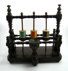 Antique mahogany country made sewing stand cotton reel holder - English - early 19th century