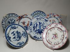 Lot of seven porcelain plates – China – 18th century
