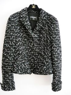 Chanel – Stunning Tweed jacket – 2012.