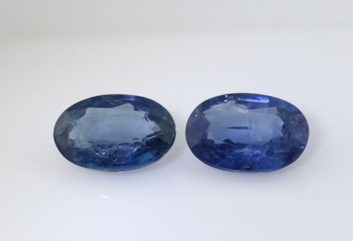 Set of 2 Sapphires -  0.53 + 0.59 = 1.12 ct total - no reserve price