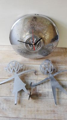 Beautiful set of Volkwagen items (clock and Mr.&Mrs Bubblehead light holders) for VW van T1, T2, T3 or Beetle
