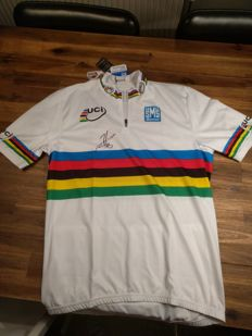 Official rainbow jersey signed bij Peter Sagan