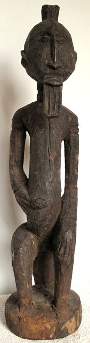 Austere seated male figure – Dogon – Mali
