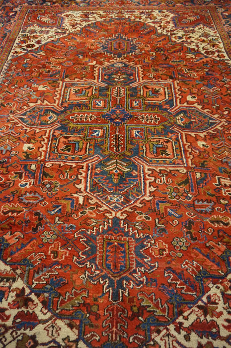 Rare beautiful hand-knotted Persian carpet Heris Heriz natural colours 255 x 350 cm
