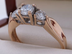 Certified gold diamond entourage ring set with 0.75 ct in total ** No reserve**