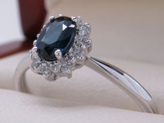 Certified white gold ring with diamonds and sapphirer - 0.55 ct **No Reserve**