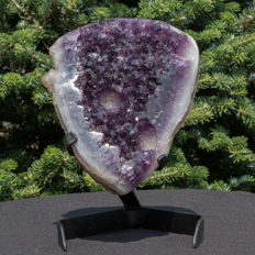 Amethyst geode with perfect and deep purple crystals - 24 x 16 x 12 cm - 3536 gm