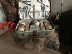 Vintage picnic basket by Luto-Thum