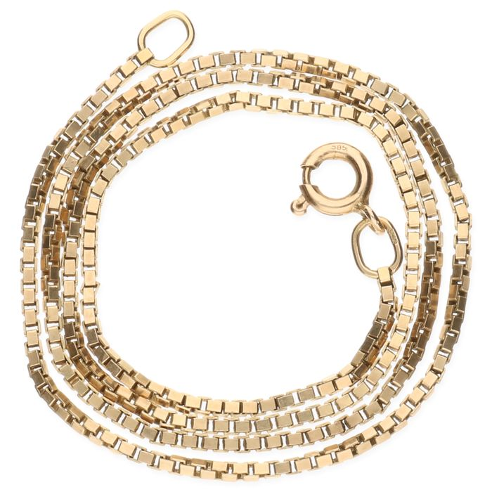14 kt yellow gold Venetian link necklace –  Length 37,9 cm.