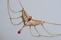 Art Nouveau ruby necklace with pendant, 585 / 14 kt gold with 12 rubies