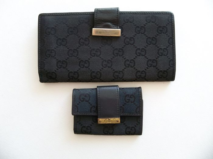 Lot of 2: Gucci bi-sided bi-fold clutch and Gucci keyholder -*No Reserve Price!*